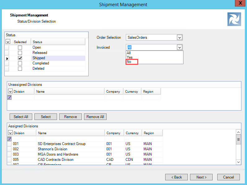 Shipment Management wizard, Status/Division Selection page; shows the Invoiced field drop-down list.